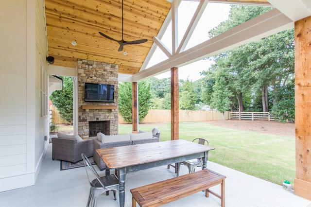 Alpharetta Custom Home fusion-courtyard