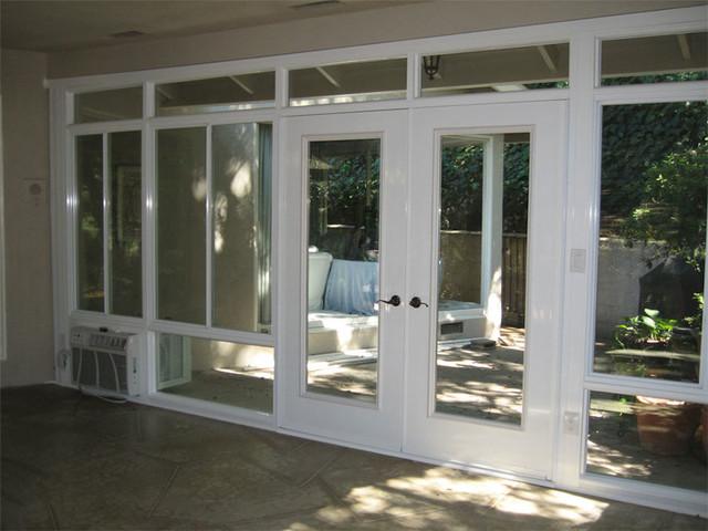 Aluminum sunrooms for Piani di casa con portici schermati e sunrooms