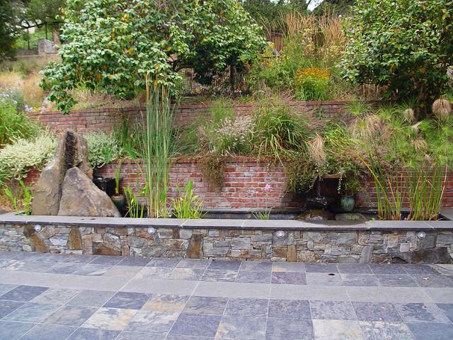 An East Bay Garden contemporary-landscape