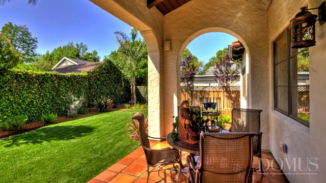 Andre Properties mediterranean-patio