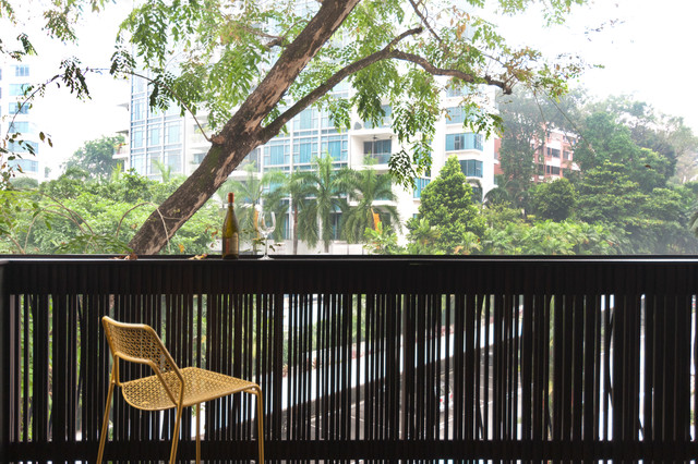 Apartment at Sommerville Park - Singapore contemporary-courtyard