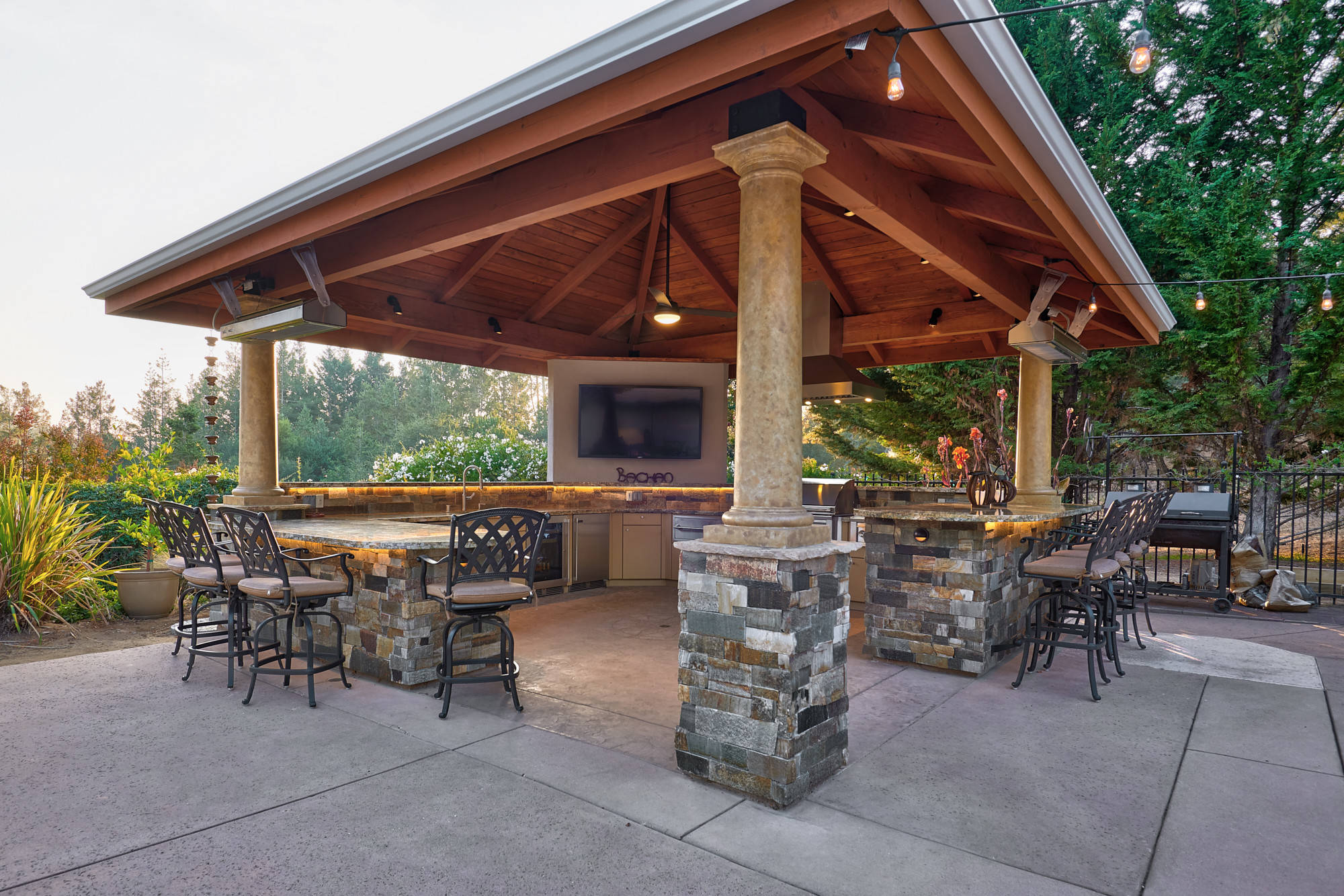 75 Beautiful Outdoor Kitchen Design With A Gazebo Pictures Ideas November 2020 Houzz