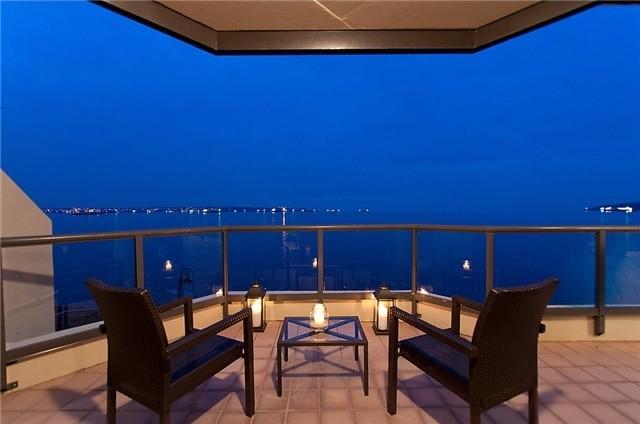 Argyle beach-style-patio