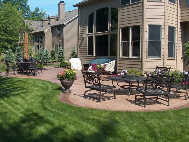 Ashler slate stamped concrete patio traditional-patio