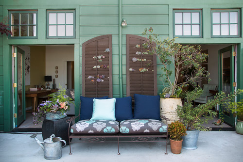 How to Decorate Your Small Courtyard | Houzz