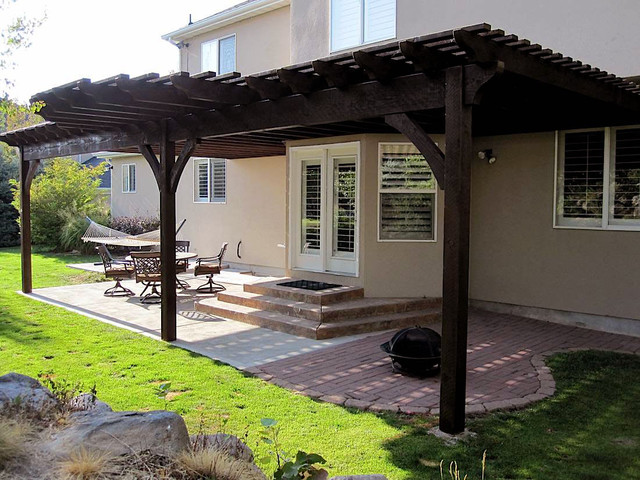Attached Pergola Wilson Residence