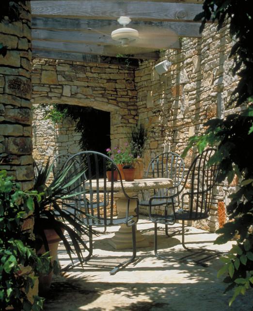 Austin Texas Residence mediterranean-patio