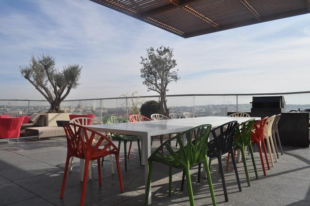 B001 contemporary-patio