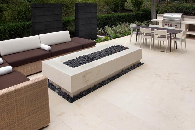Bacchus Limestone Contemporary Patio