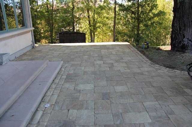 Backyard Patio Views - Belgard - Mega Lafitt - Old World