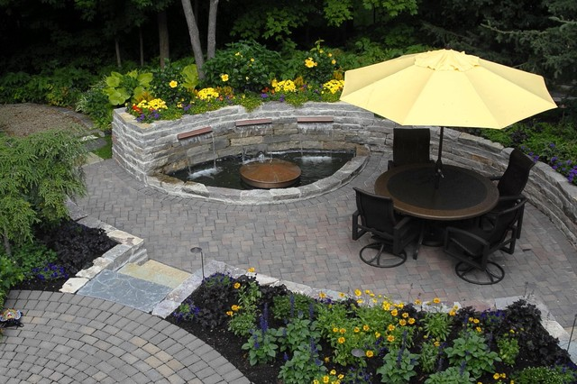 Exceptionnel Backyard Patio With Water Feature   Traditional   Patio ...