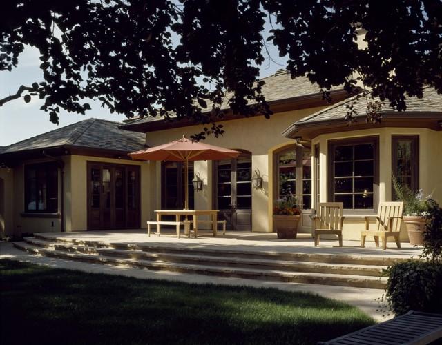 Backyard mediterranean-patio