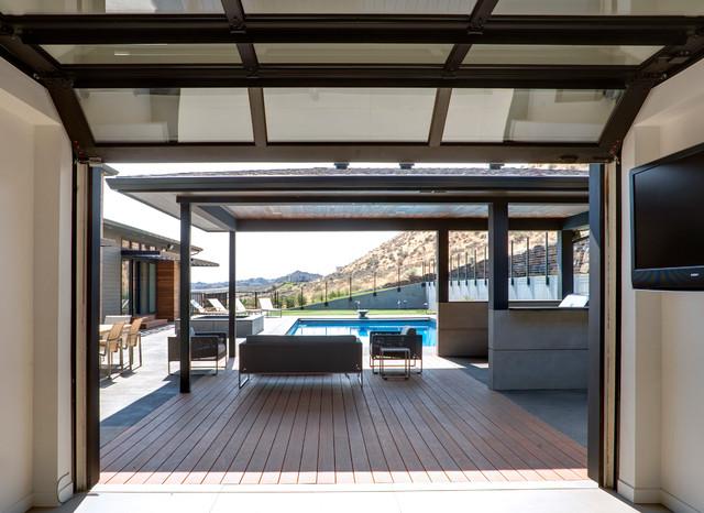 Badger Mountain House contemporary-patio