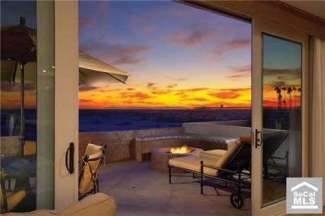 Balboa contemporary-patio