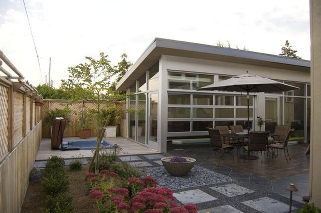 ballard pool house