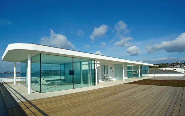 Banks Road contemporary-patio