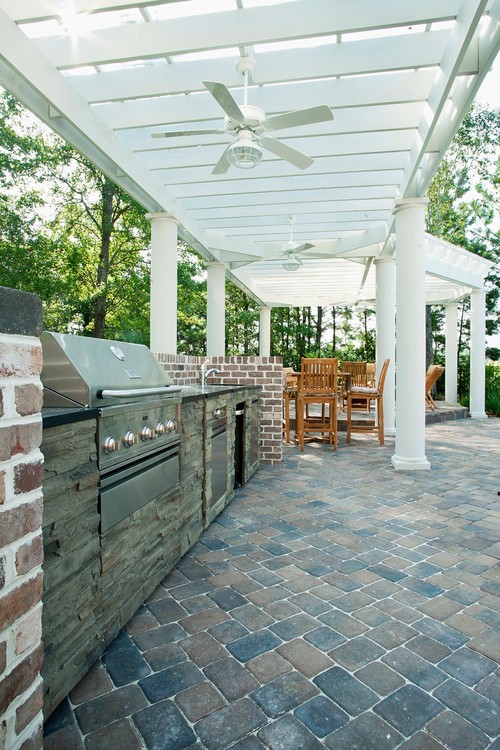 traditional-patio 27 Beautiful Beach-Inspired Patio Designs