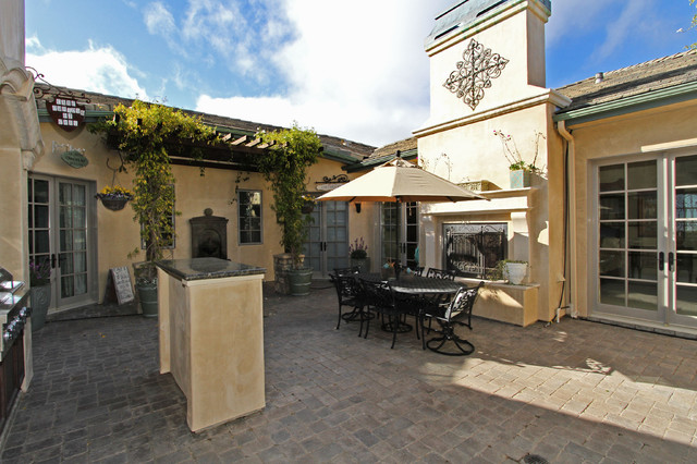 Baron Canyon Chateau mediterranean-patio