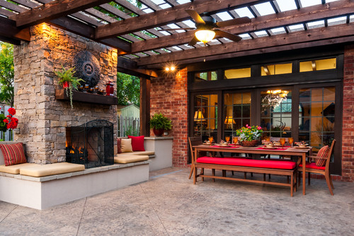 16 Inviting Backyard Patios For Relaxing Summer Nights - Check out these inspiring backyards where you can chill in the great outdoors and spend quality family time taking in those warm summer breezes. | https://heartenedhome.com