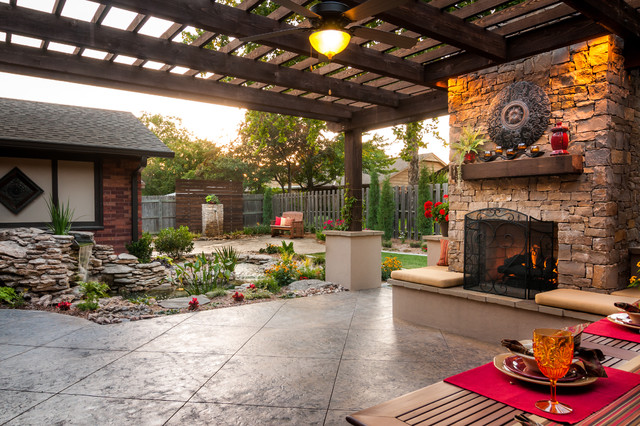 Bartlesville Outdoor Living traditional-patio