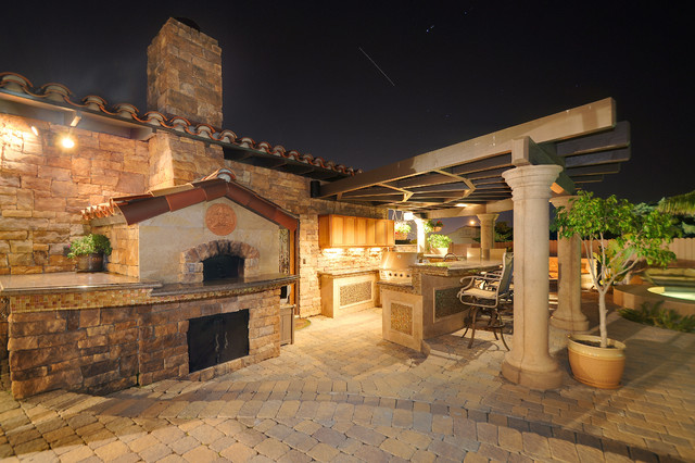 Bbq and pizza oven mediterranean patio