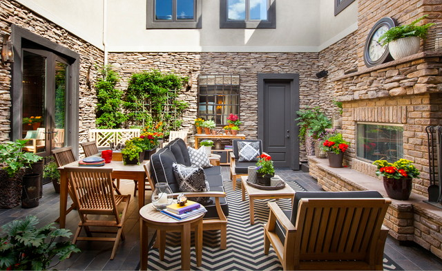Outdoor Courtyard Living Space Beach Style Patio