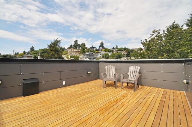 Beachaus II modern-patio