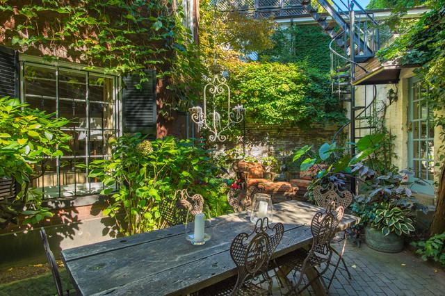 Beacon Hill private patio rustic-patio