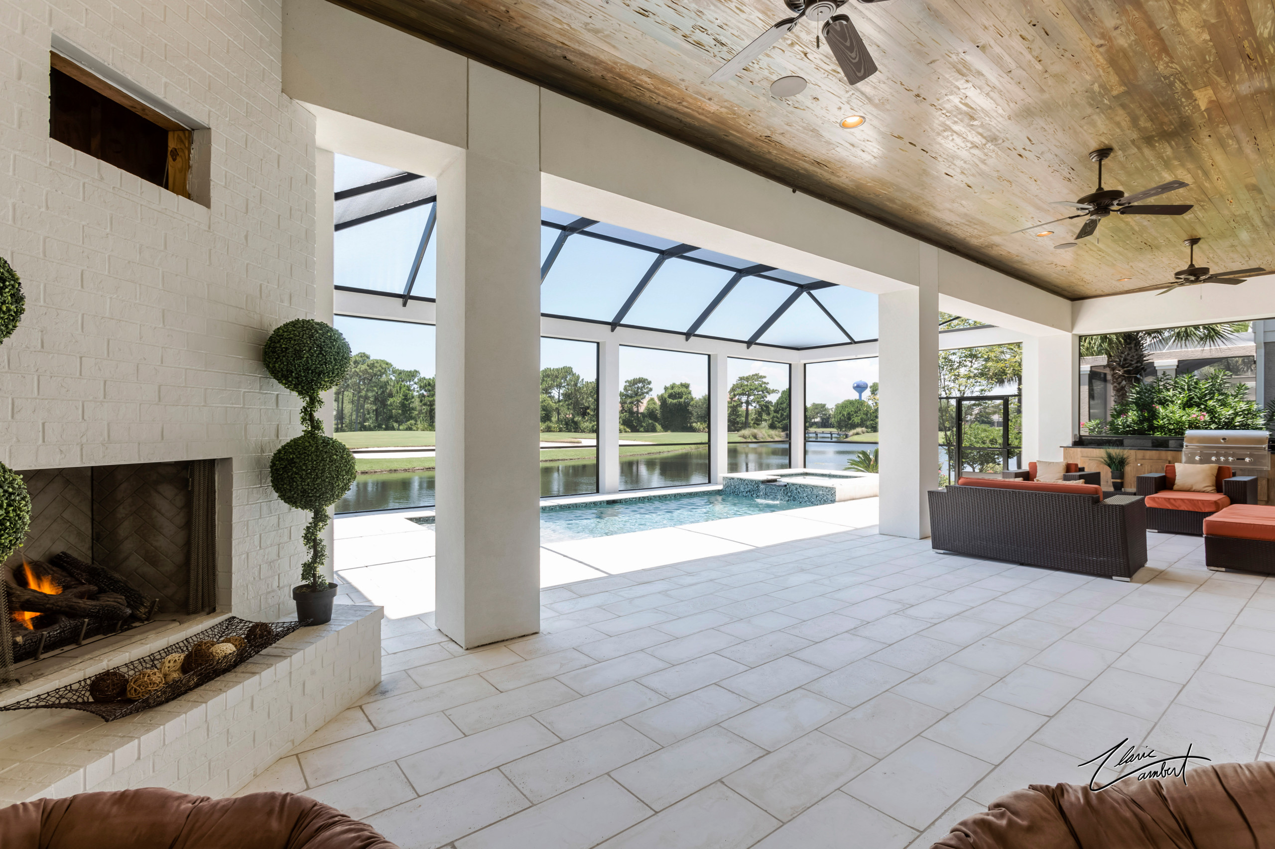 Beautiful Golf Course/Lakefront home in Regatta Bay Golf and Yacht Club
