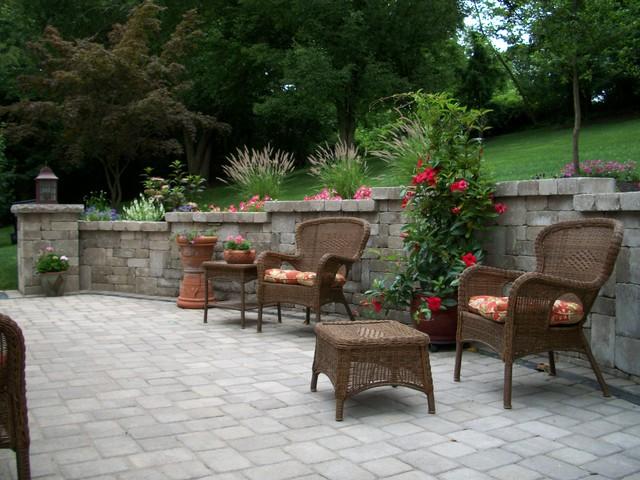 Beautiful Patio/Garden House traditional-patio