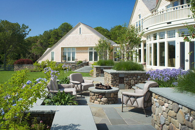 Beavertail House traditional-patio
