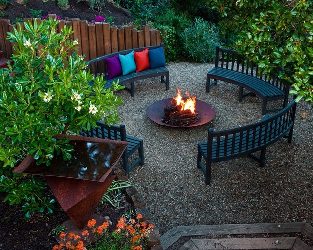 Patio   Large Contemporary Backyard Gravel Patio Idea In San Francisco