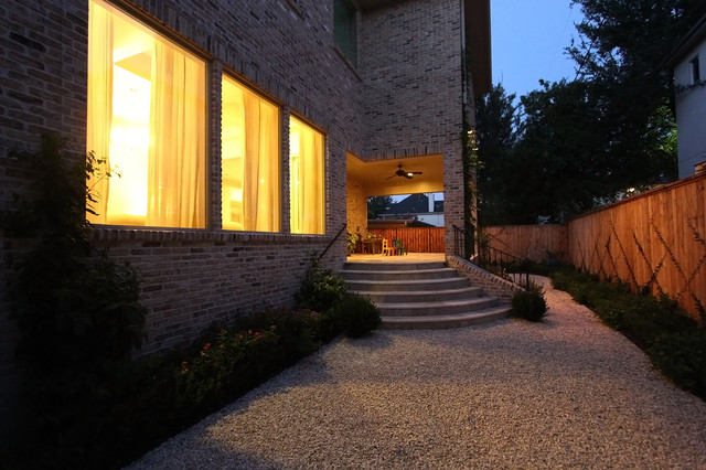 Bellview Dr. traditional-patio