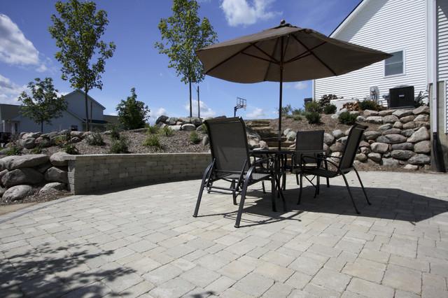 Bixby Residence traditional-landscape