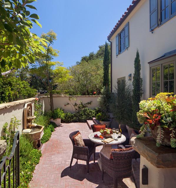Mediterranean Style Patio: Blending Old & New In Montecito