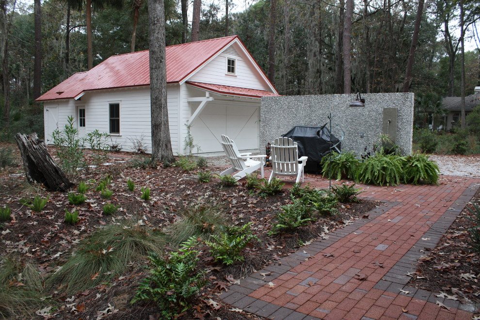 Example of a classic patio design in Atlanta