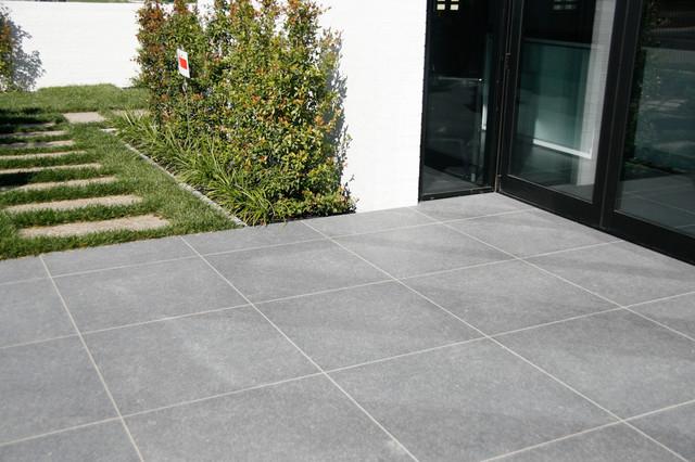 Blue Mountain contemporary-patio