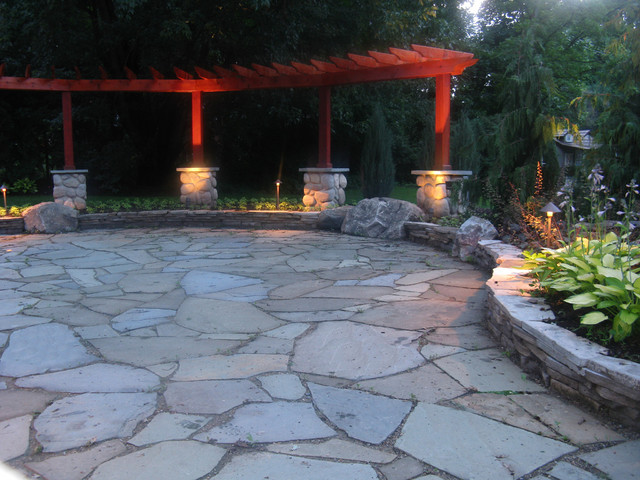 Bluestone patio with flagstone and granite fire pit for Blue stone patio with fire pit