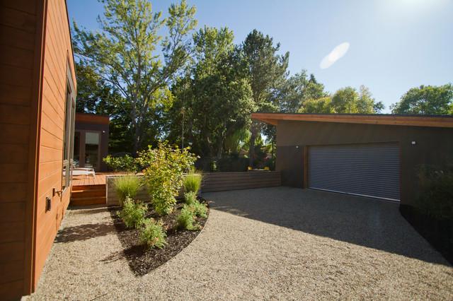 Bluhomes sonoma breezehouse modern patio san for Sonoma garden designs