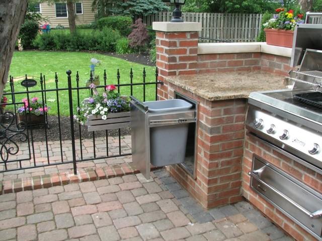 Brick, Granite & Limestone Outdoor Kitchen - Traditional ...