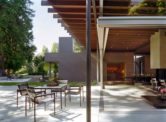 Broadmoor Residence modern-patio