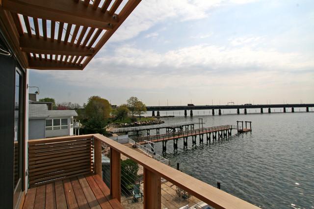 Bronx Box - deck modern-patio