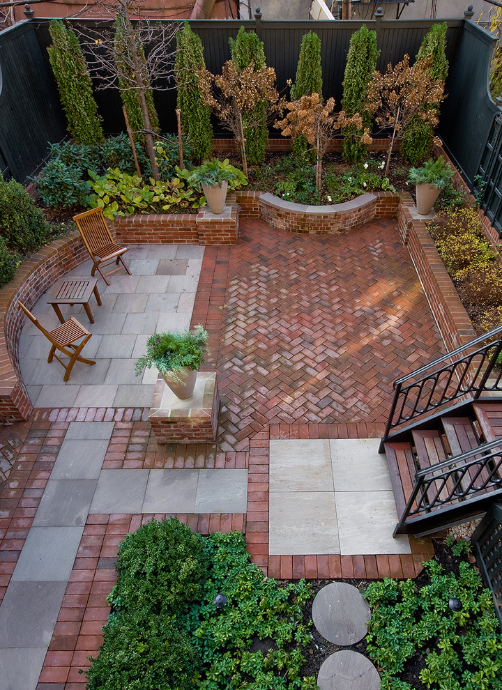 Inspiration for a timeless patio remodel in New York