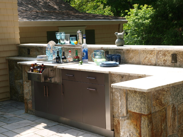 Brown Jordan Outdoor Kitchens traditional-patio