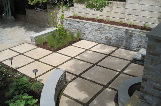 Example Of A Minimalist Patio Design In San Francisco