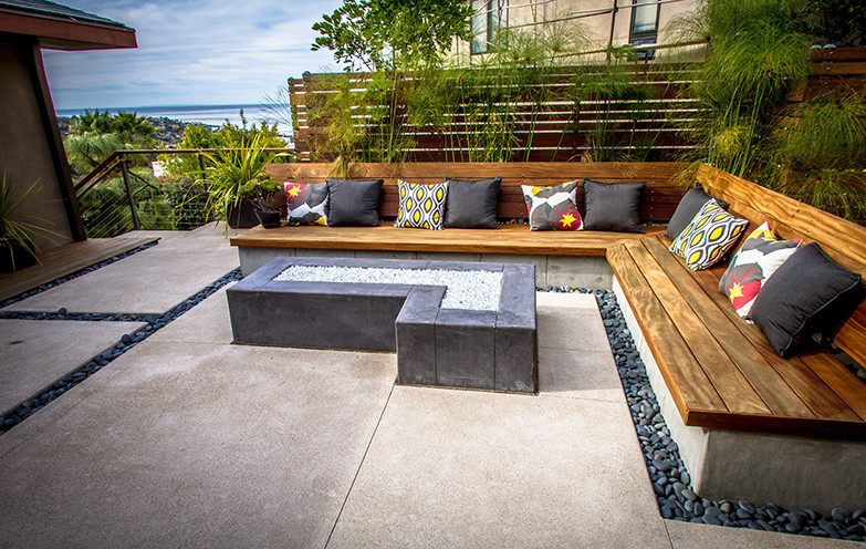 Built In Bench Seating Modern Patio
