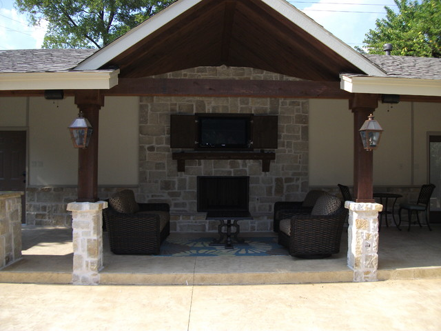 Bungalow with Outdoor Kitchen & Fireplace traditional patio