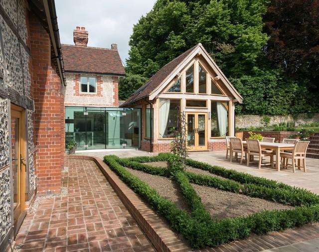 Burpham modern patio sussex von jane jones warner - Selfmade wohnideen ...