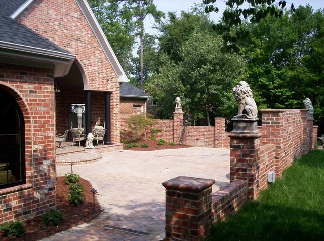 Burton traditional-patio