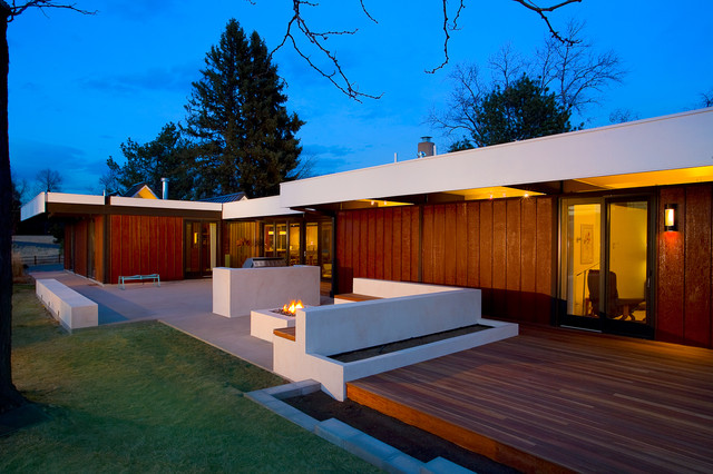 High Quality Patio   Modern Patio Idea In Denver With A Fire Pit